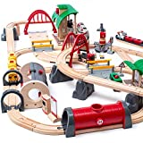 BRIO World 33052 Straßen & Schienen Bahn Set Deluxe – Straßen & Schienen für die BRIO Eisenbahn...